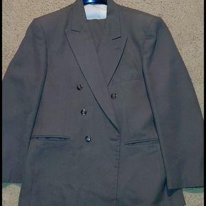 John Henry size 34L suit